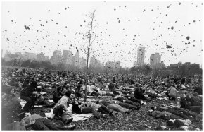 gary winogrand peace protest