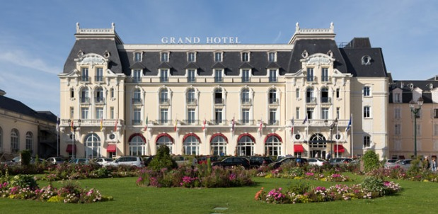 Brace yourselves, Grand Hotel, Proust is going to slay you on Trip Advisor