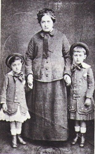 Proust and his brother with his granny in younger days, whom he went on holiday with to glorious Balbec. It's not fair, all my grandparents did was take me away for a week in their caravan, for a week of Radio 4, antique shops, and a tank museum.