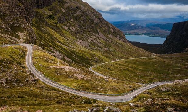 mountain-road-through-applecross-peninsula1
