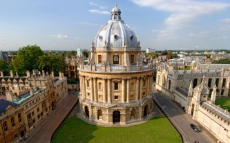 201407-w-most-beautiful-libraries-in-the-world-bodleian-library-oxford
